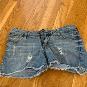 Bullhead Shorts Size 3 (juniors) excellent cond